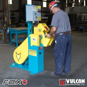 416 Single-End Grinder with Operator